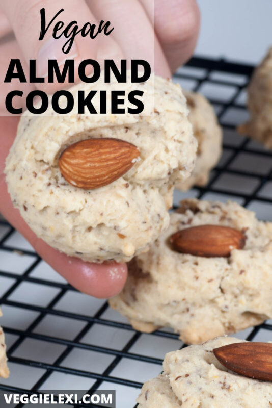 Delicious vegan almond cookies that aren't overly sweet...they're just sweet enough! Perfect to dip into a cup of coffee. - by Veggie Lexi